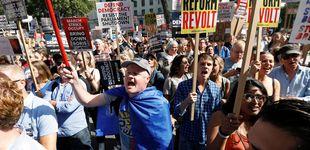 Post de Multitudinaria manifestación contra la disolución del Parlamento por el Brexit