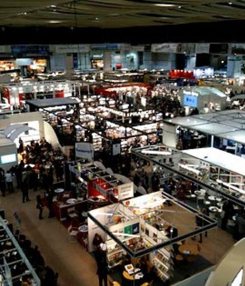 Los escritores españoles se fugan al mercado literario anglosajón