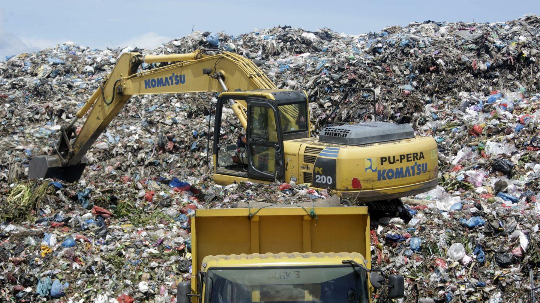 El 48% de los residuos españoles acaba en los vertederos. Foto: EFE