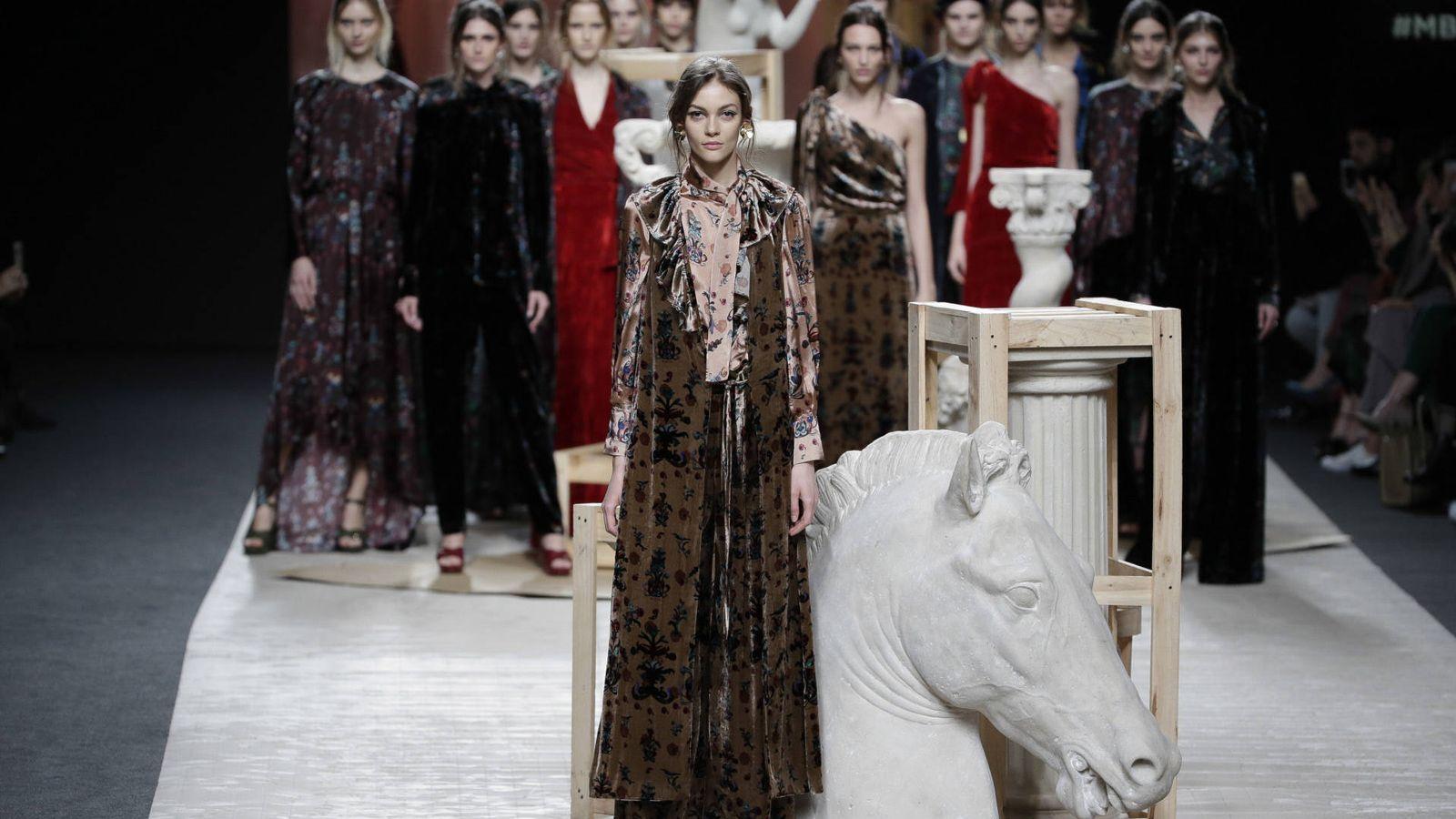 Foto: Imagen del carrusel final del desfile de Ailanto en la Mercedes-Benz Fashion Week Madrid. (Gtres)