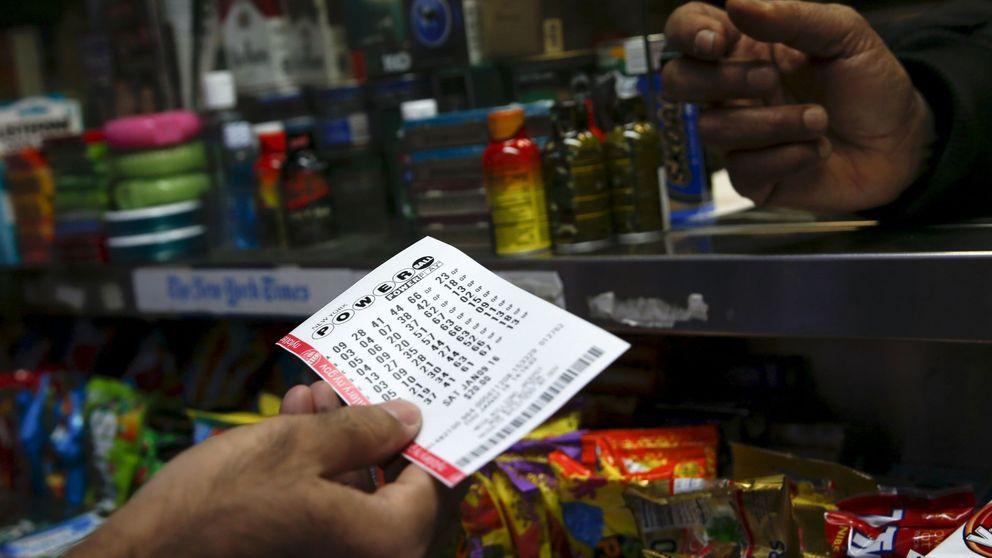 Este hombre ganó 11 millones en la lotería y ahora se rompe la espalda a 10 euros la hora