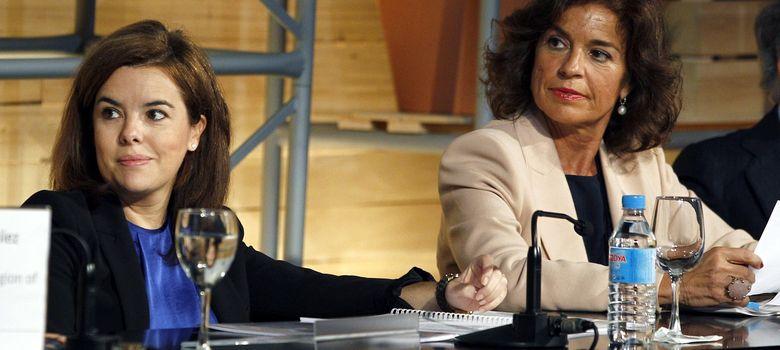 Foto: La vicepresidenta del Gobierno, Soraya Sáenz de Santamaría, junto a la alcaldesa de Madrid, Ana Botella. (EFE)