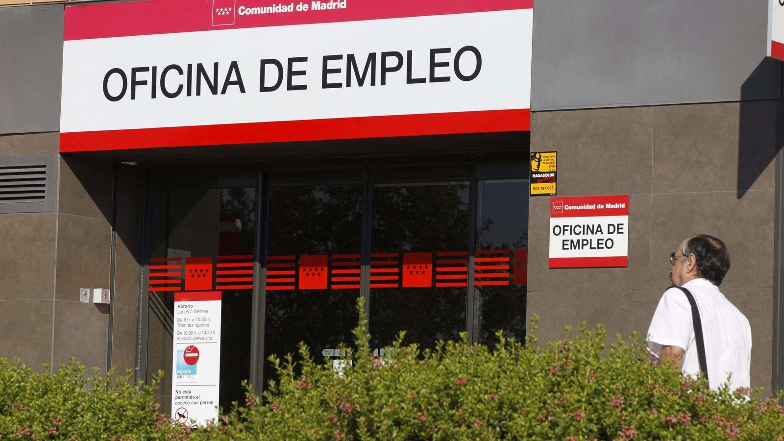 Foto: Fachada de una oficina de empleo en Madrid. (EFE)