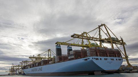 El Puerto de Valencia desvía una docena de barcos por la huelga oculta de estibadores