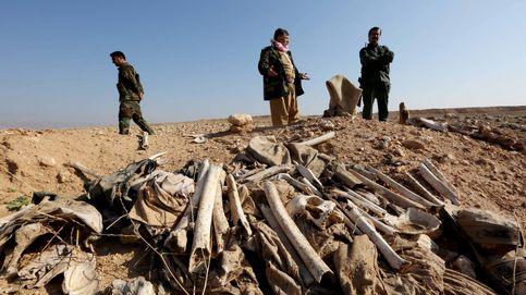 Las 72 fosas comunes donde el Estado Islámico ha enterrado a miles