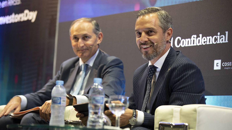 Eduardo Pérez, socio responsable de advisory de BDO; y Juan Bravo, consejero de Hacienda, Industria y Energía de la Junta de Andalucía.
