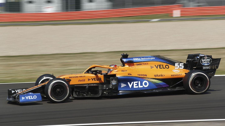 El MCL35 fue superado por sus rivales de la clase media en Silverstone, pero 'en Montmeló partimos de cero' afirma Sainz (EFE)