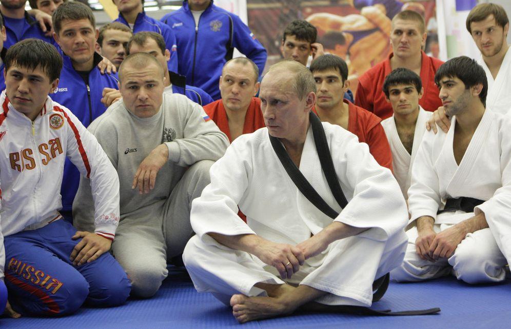 Foto: Putin en un entrenamiento de judo en el complejo deportivo 'Moscow', en San Pertersburgo, en diciembre de 2010 (Reuters).