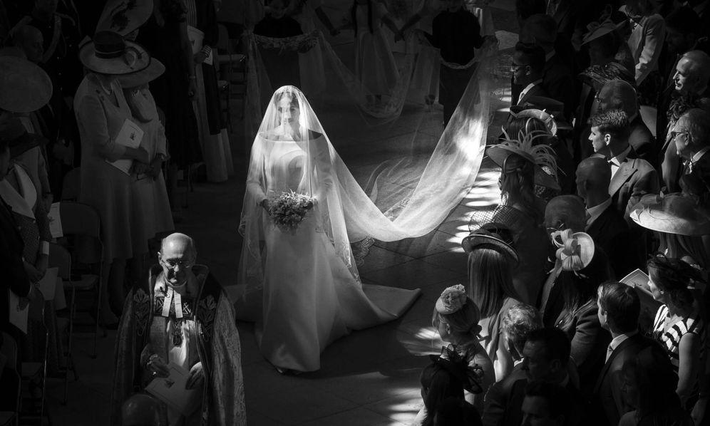 Foto: Meghan Markle entrando en la capilla de St. George.