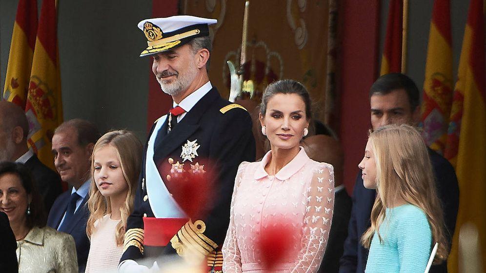 Foto: Los Reyes y sus hijas en el Día de la Fiesta Nacional. (Limited Pictures)