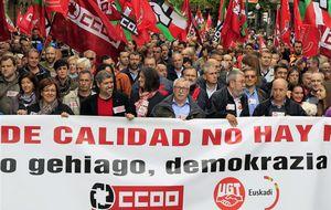 CCOO y UGT piden un cambio por el fracaso de la austeridad