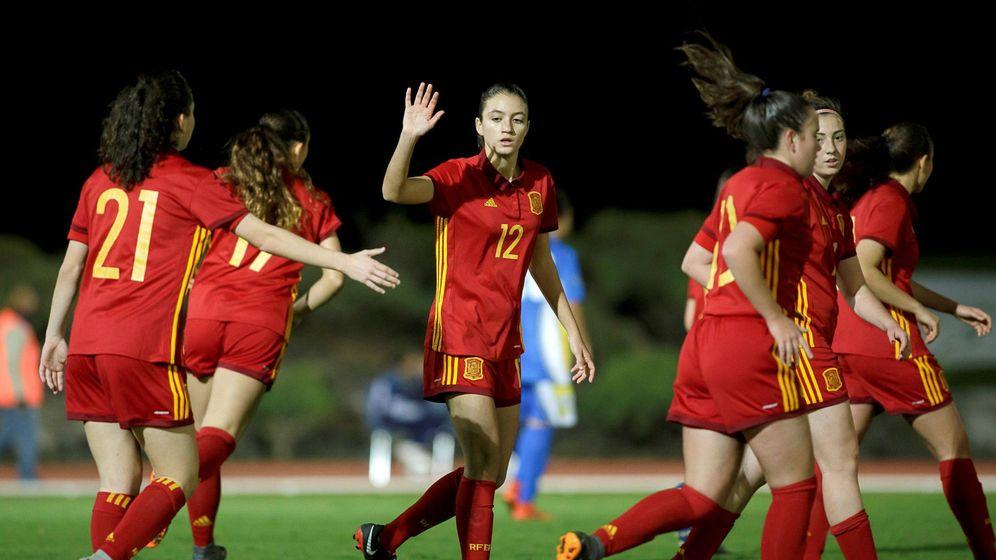 Foto:  Las jugadoras de la selección de España celebran un gol. (EFE)