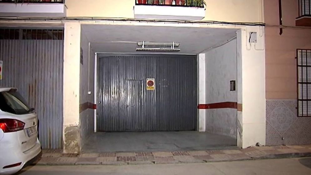 Foto: Hallan los cadáveres de dos hombres en un garaje en la localidad de Priego de Córdoba. (Foto: ATLAS)