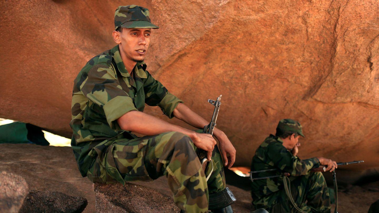 Foto de archivo de un joven voluntario de las fuerzas del Polisario en 2016. (Reuters)