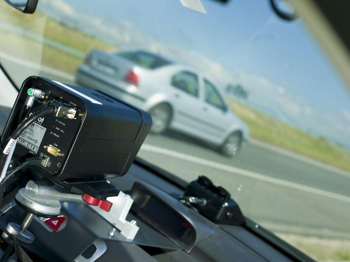 Foto: Los radares inteligentes de la DGT: exceder el límite de velocidad no es lo único que debe preocuparte. (EFE)