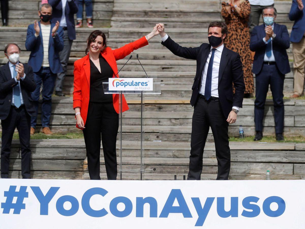 Foto: La presidenta de la Comunidad de Madrid y candidata a la reelección, Isabel Díaz Ayuso, junto al presidente nacional del Partido Popular, Pablo Casado. (EFE)