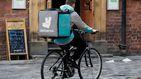 Los 500 'riders' y la Seguridad Social ganan el macrojuicio contra Deliveroo en Madrid