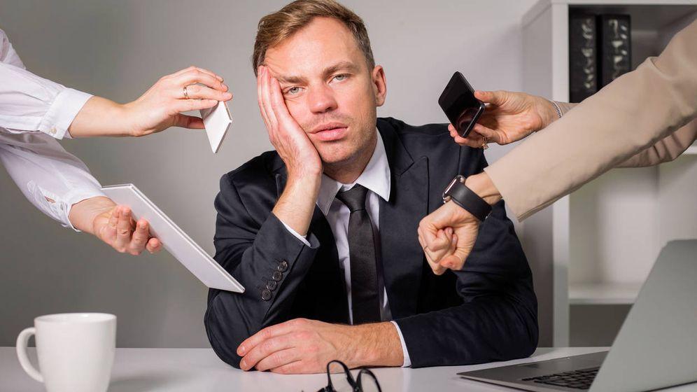 Foto: Cuando tienes que hacer el trabajo de tres semanas en una sola. (iStock)