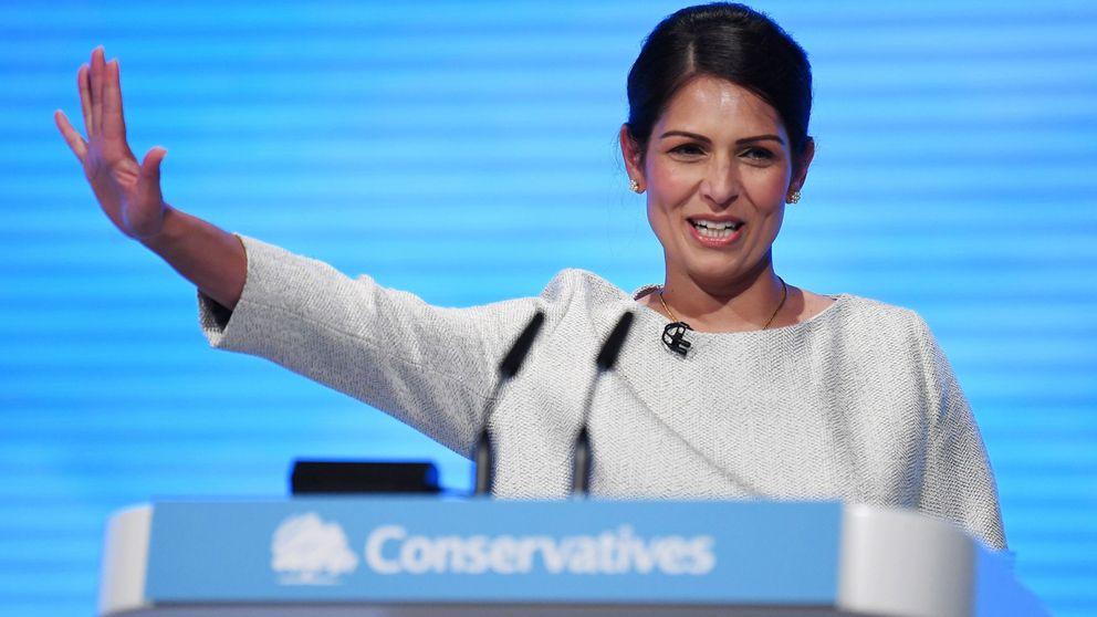 Acabaremos con la libertad de movimiento, dice una ministra británica entre aplausos
