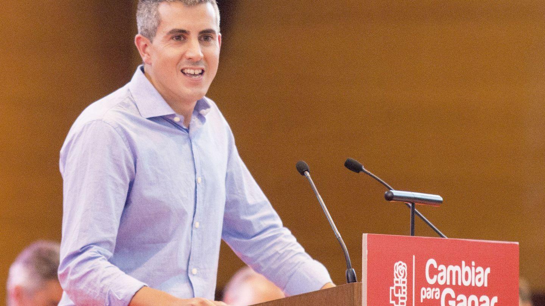 Zuloaga, líder del PSOE cántabro, en el cierre de su congreso, el pasado 30 de julio en Santander. (EFE)