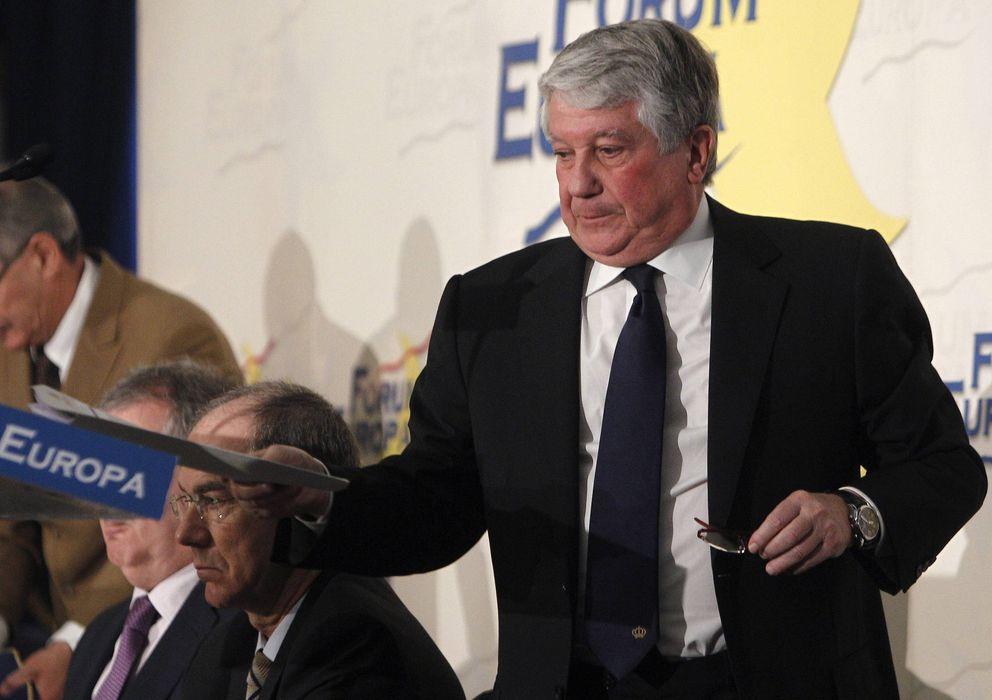 Foto: El presidente de los empresarios madrileños, Arturo Fernández (d) (Efe)