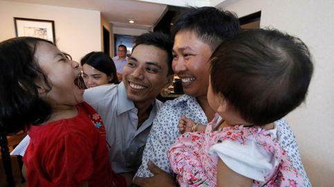 Birmania libera a los dos periodistas de Reuters con un perdón presidencial