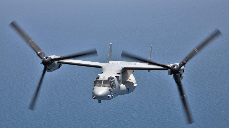 El MV-22 Osprey volando en modo avión. La imagen está tomada desde la rampa trasera de otro Osprey. (Juanjo Fernández)