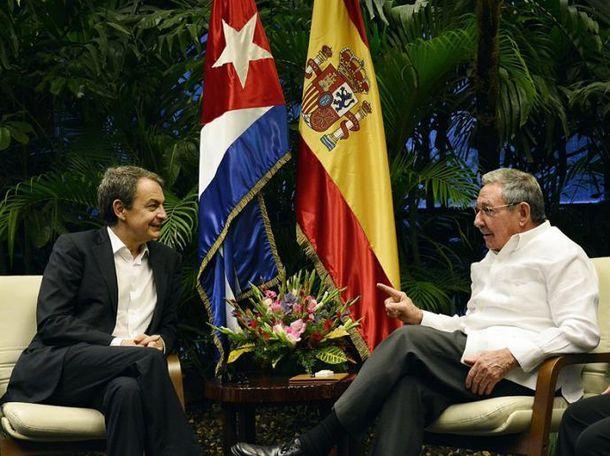 Foto: José Luis Rodríguez Zapaterpo y Raúl Castro durante su encuentro. (Granma)