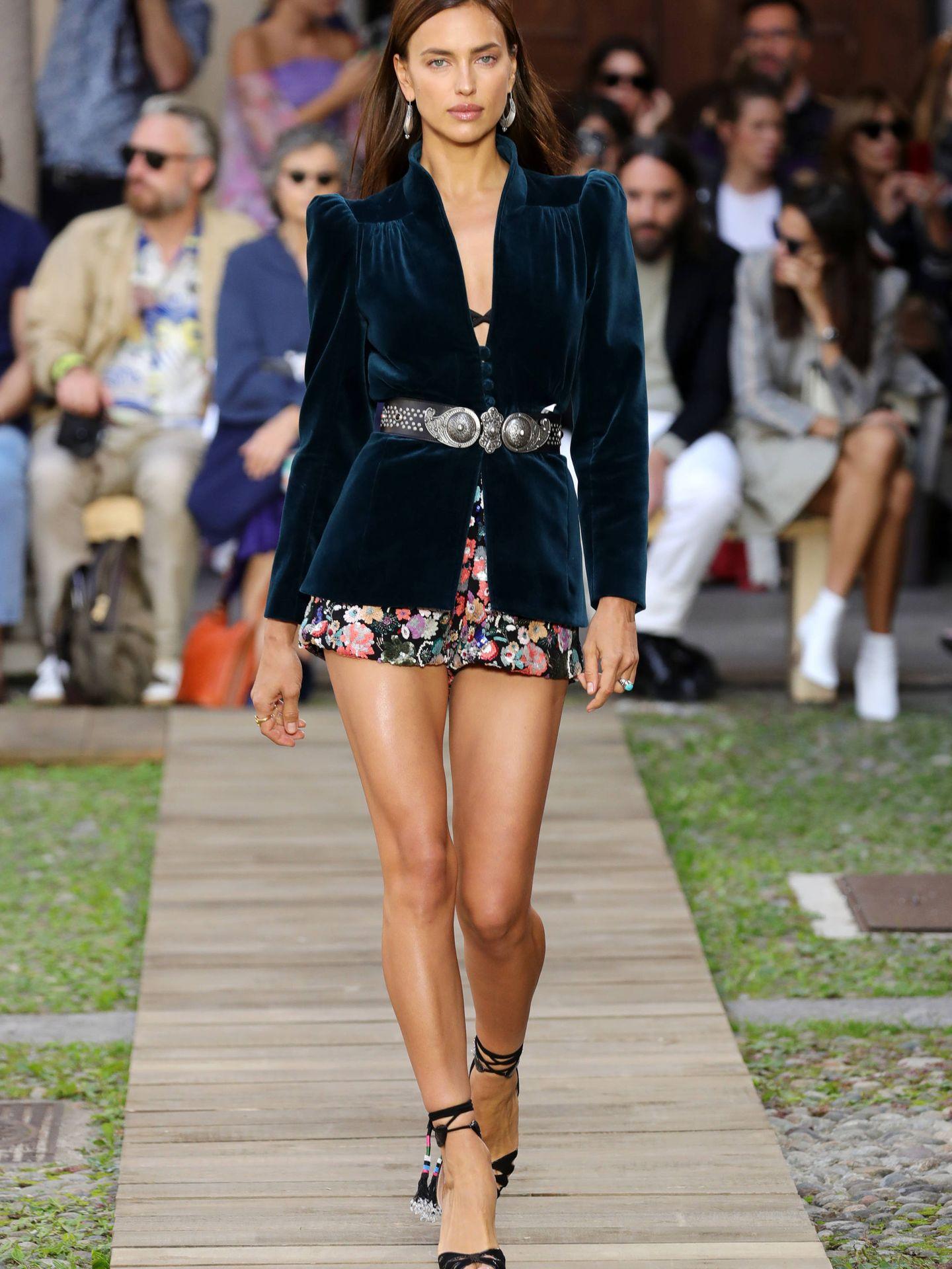 Las espectaculares piernas de Irina Shayk tonificadas, hidratadas y siempre bronceadas. (Getty)
