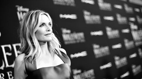 Michelle Pfeiffer saca a relucir su glamour y hace sombra a Angelina con 'Maléfica'