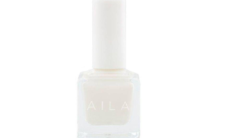 Esmalte blanco de Aila.