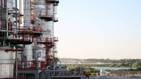 Cepsa tienta a la Junta andaluza con 2.500M en inversiones si agiliza trámites