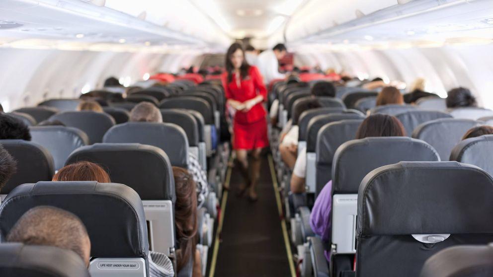Cuál es el  asiento más seguro para viajar en avión, según los expertos