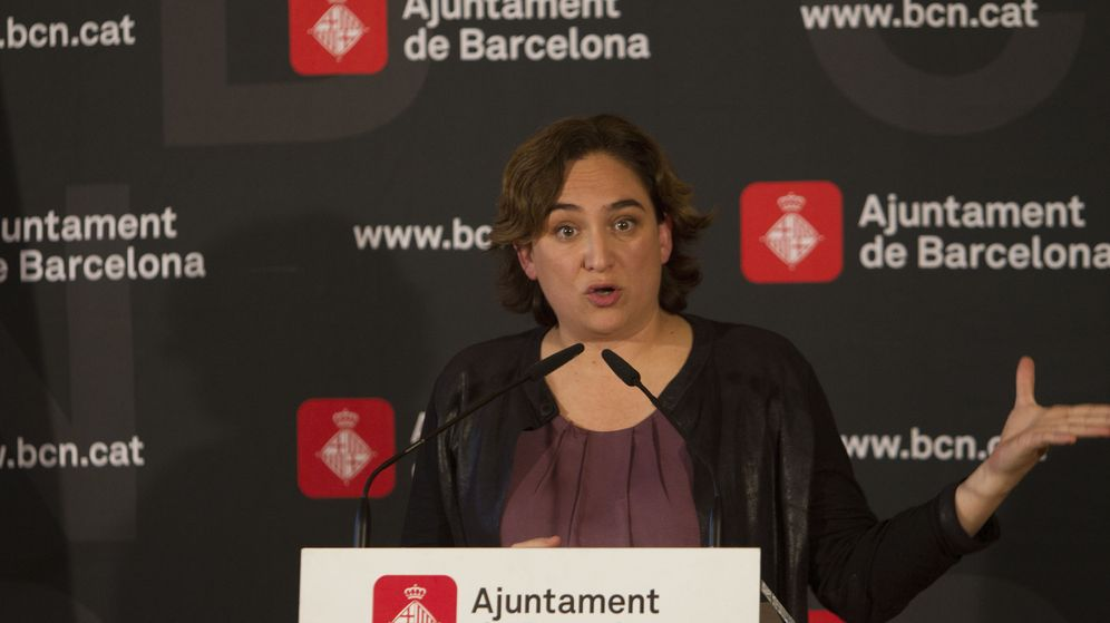 Foto: La alcaldesa de Barcelona, Ada Colau, en una rueda de prensa. (EFE)