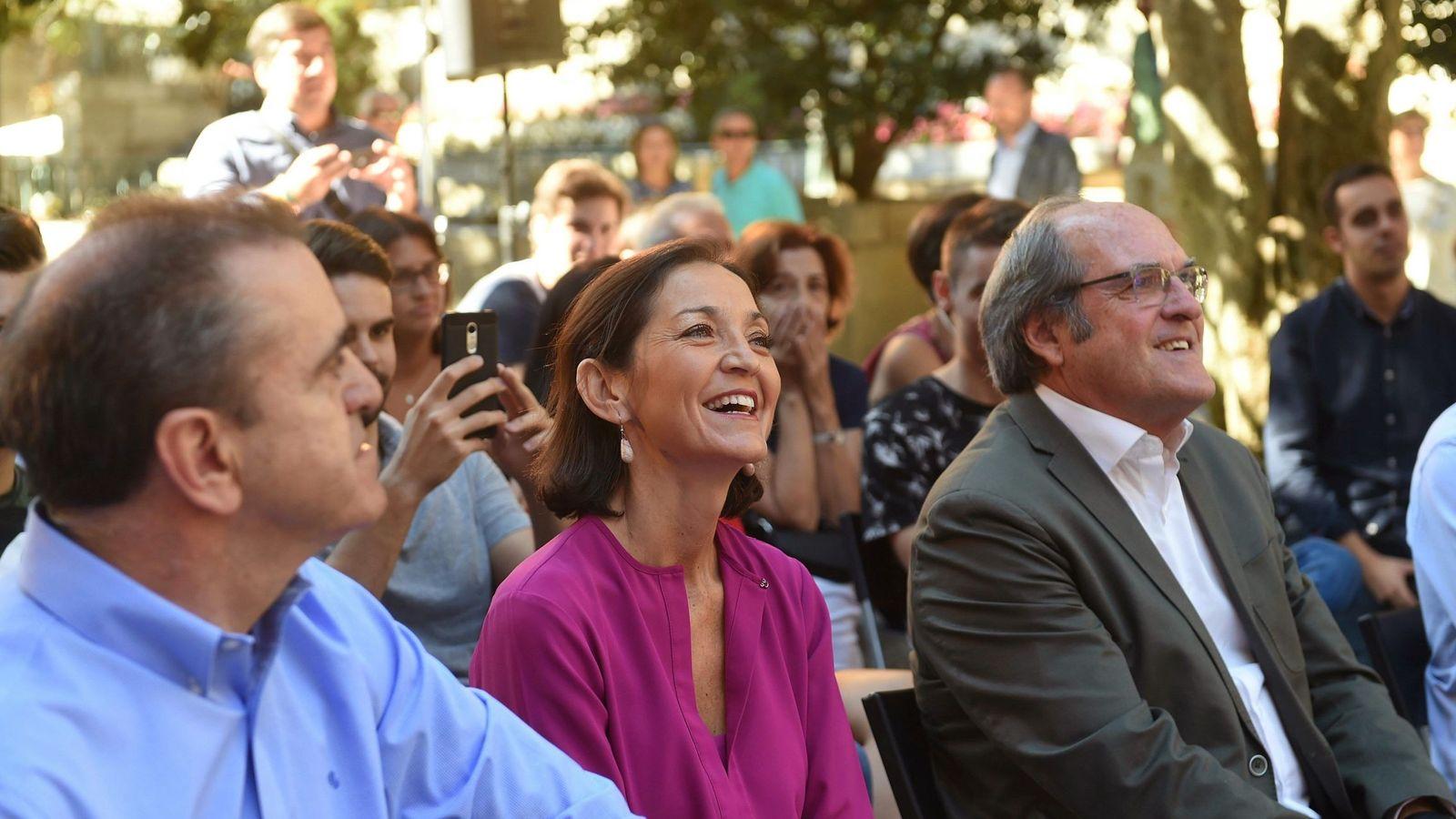 Foto: La ministra Reyes Maroto, entre Ángel Gabilondo (d) y José Manuel Franco (i), este 29 de septiembre en San Lorenzo de El Escorial. (EFE)