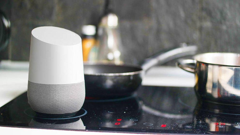 Cómo evitar que los altavoces de Google, Apple y Amazon te espíen (más de la cuenta)