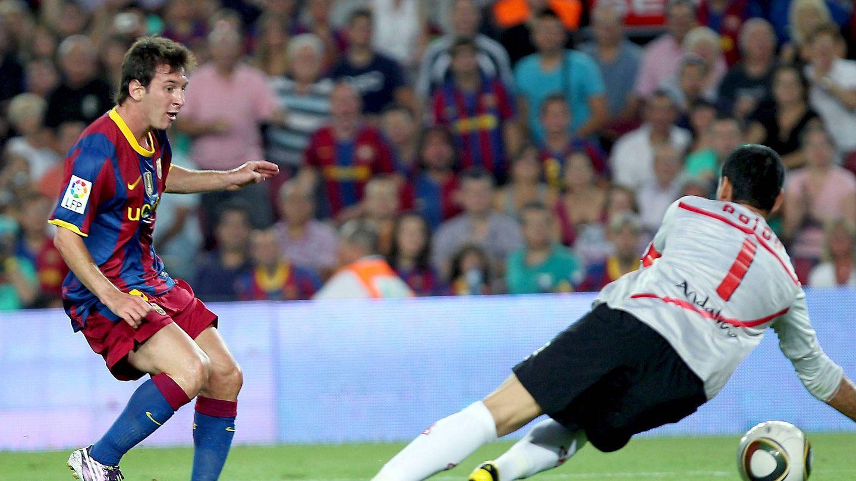 Palop, en un mano a mano frente a Messi. (EFE)
