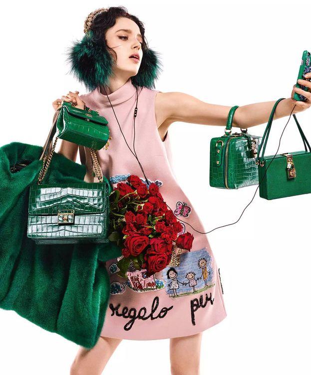 Foto: Estas son algunas de las consecuencias de los selfies. (Foto: Dolce & Gabbana)
