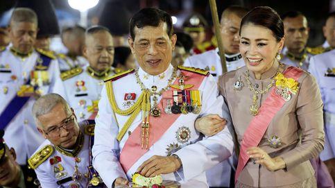 El rey de Tailandia y las polémicas de nunca acabar: la filtración de fotografías íntimas de su concubina oficial