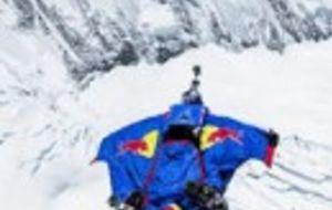 Salto BASE desde el Everest