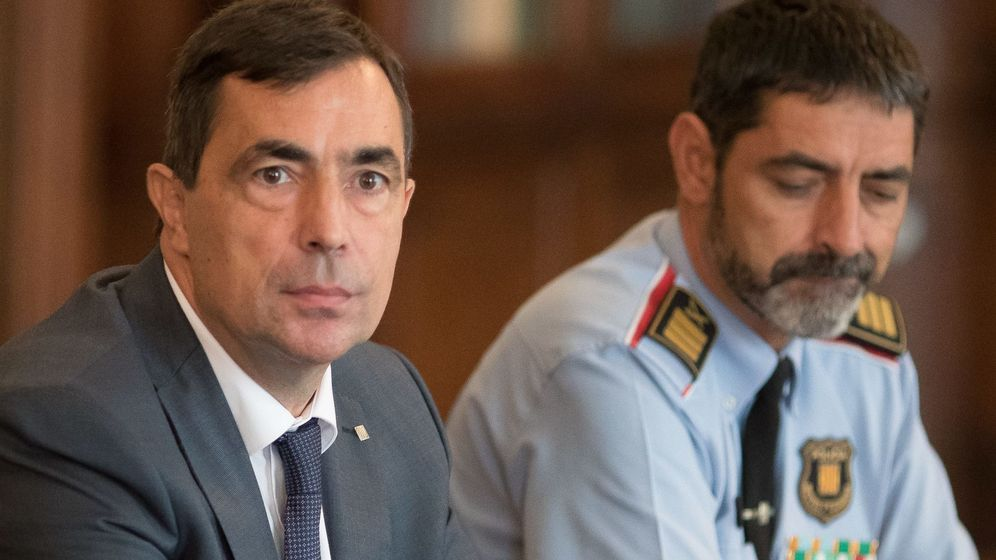 Foto: El director general de los Mossos, Pere Soler (i), y el 'major' Josep Lluís Trapero. (Cordon Press)