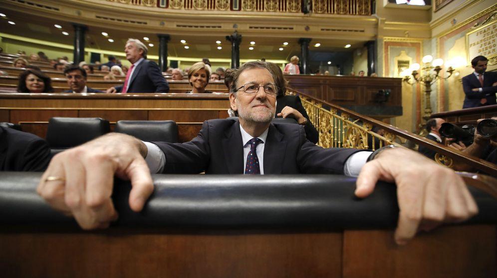 Foto: El presidente del Gobierno en funciones, Mariano Rajoy, en su escaño durante la tercera sesión del debate de su investidura. (Efe)