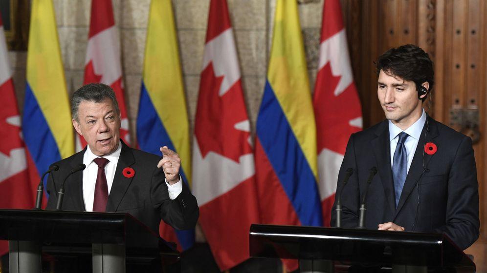 Foto: El presidente de Colombia, Juan Manuel Santos (i), junto al primer ministro canadiense, Justin Trudeau (d), el octubre de 2017. (EFE)