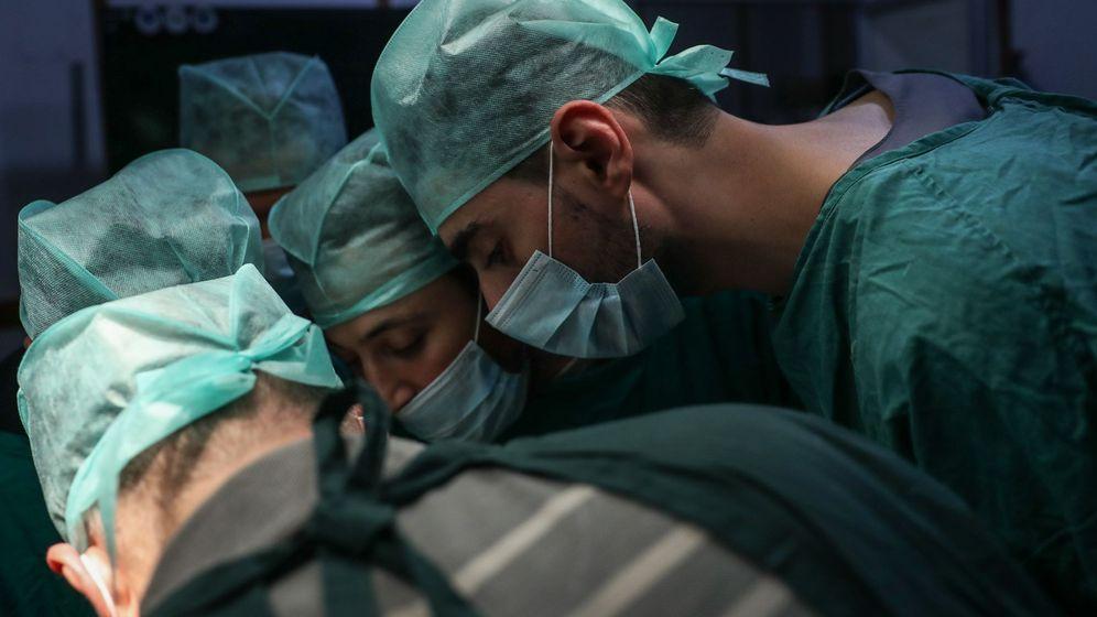 Foto: Las cirugías son algunas de las especialidades más demandadas. (EFE)
