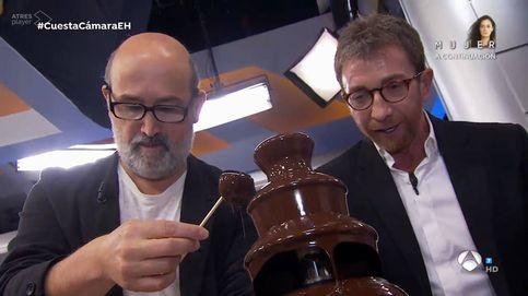 Critican a 'El hormiguero' por presumir de caviar, langosta y fuente de chocolate