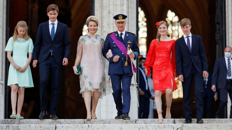 La familia real belga, a la salida del Te Deum. (Reuters)