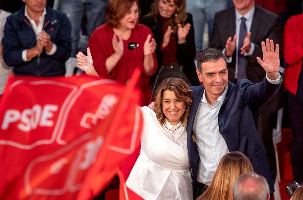Foto: Pedro Sánchez y la secretaria general del PSOE andaluz, Susana Díaz, el pasado 22 de octubre en Cádiz. (EFE)