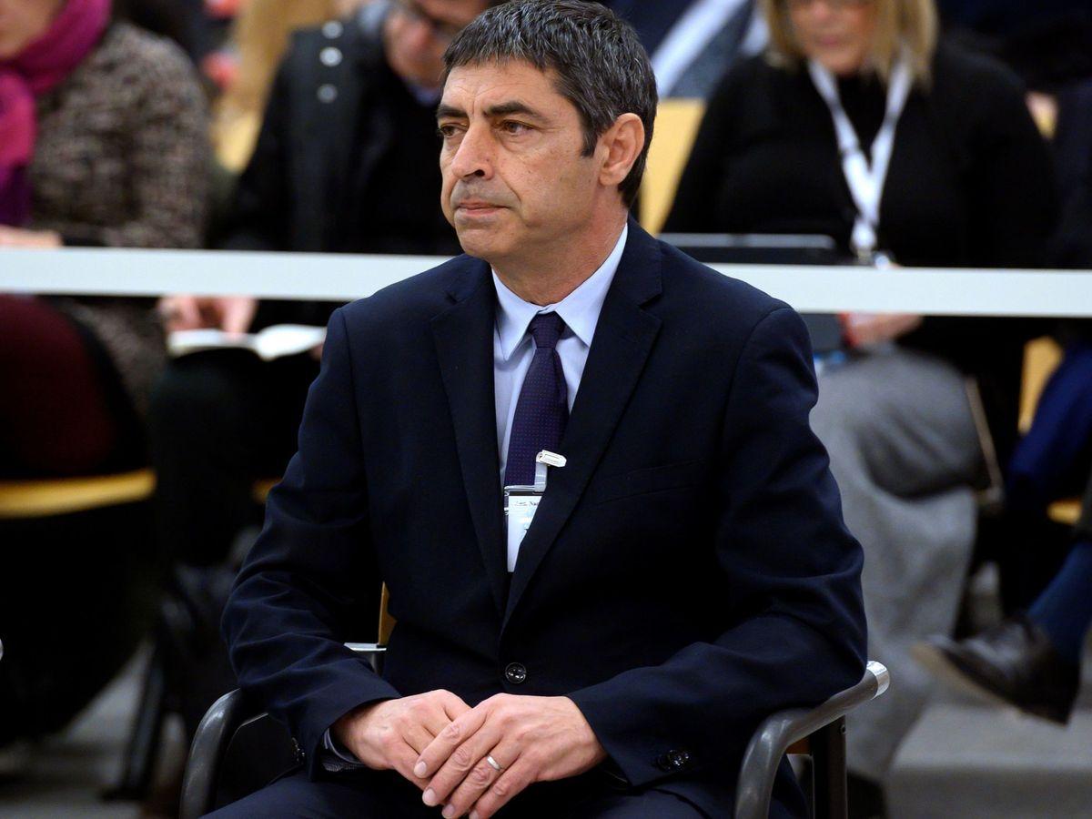Foto: El mayor de los Mossos d'Esquadra, Josep Lluís Trapero, al comienzo del juicio en la Audiencia Nacional. (EFE)