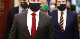 Post de Gemelos, corbatas y hasta paraguas… La bandera de España toma el Congreso