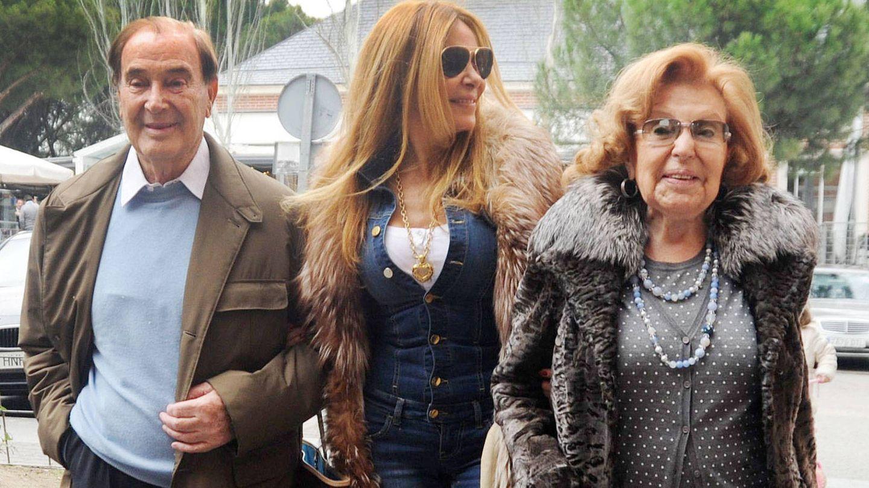 Antonio García, Ana García Obregón y su madre, Ana. (Getty)